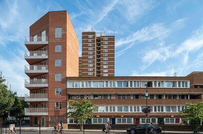 5493 Marklake Court built